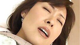 Hitomi Kurosaki Mature Asian chick